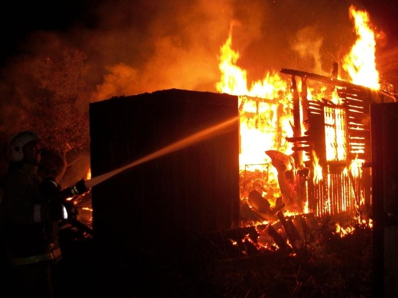 Пожар е избухнал в монтанското село Крапчене, съобщиха от полицията