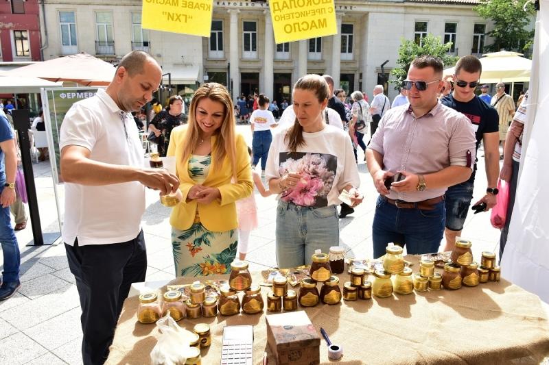 Български производители от цялата страна представят своето био производство в