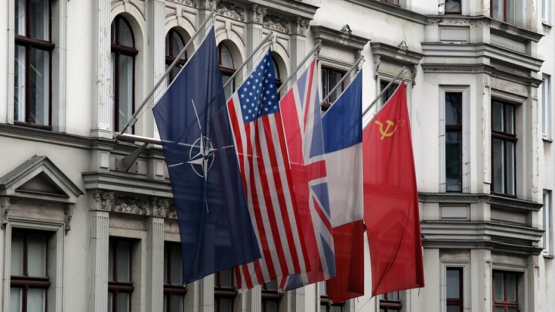 Генералният секретар на НАТО Йенс Столтенберг защити днес своята позиция