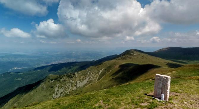 Снимка: Организират масово изкачване на връх Ком