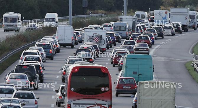 Спират камионите по главните пътища днес следобед