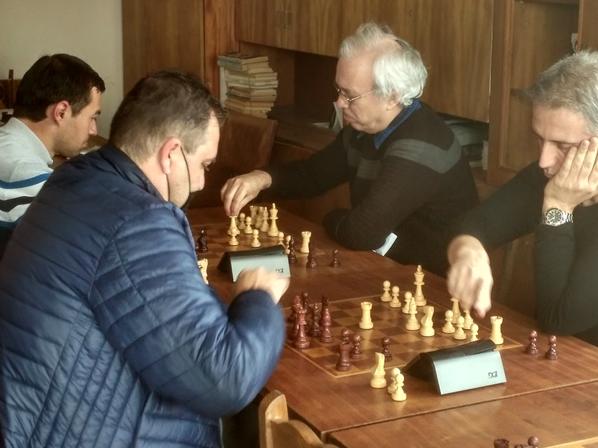 Генади Георгиев спечели Великденския турнир по блиц, организиран в навечерието