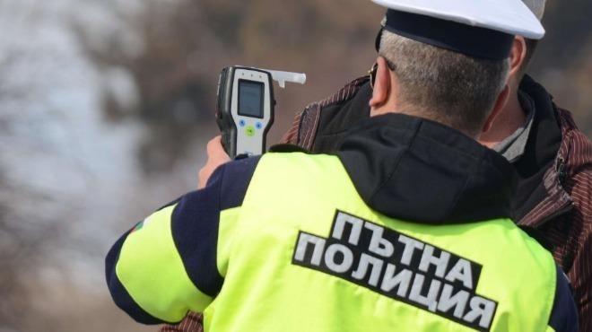 Хванаха мъртвопиян тракторист във врачанското село Софрониево, съобщиха от полицията