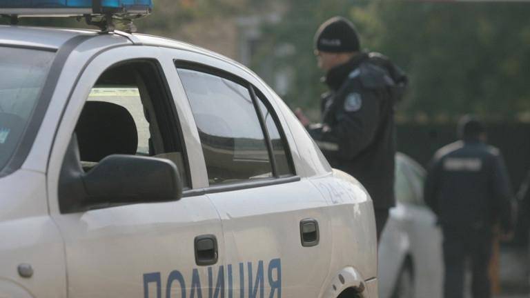Стреляха с оръжие по кола на кметски наместник в село Орач /видео/