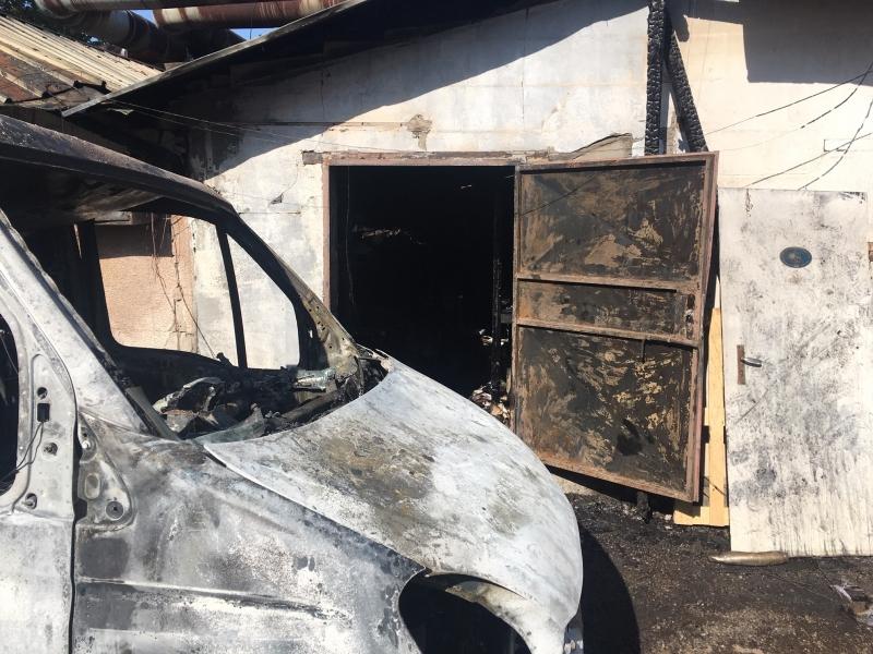 Полицията съобщи едва днес за големия пожар в складовете на