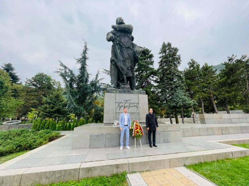 Почетоха Независимостта на страна ни с поклон пред паметника на