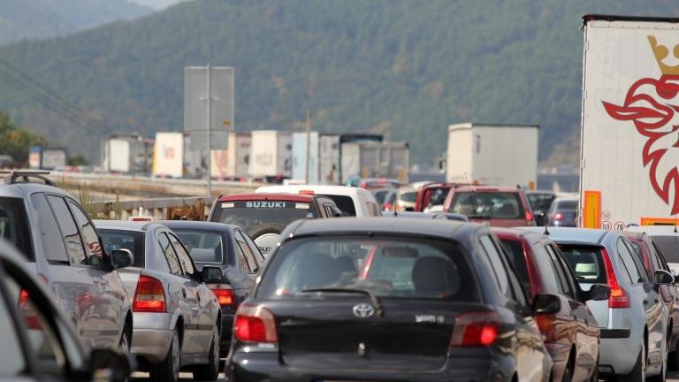Засилени мерки за сигурност по пътищата за предстоящото пътуване за
