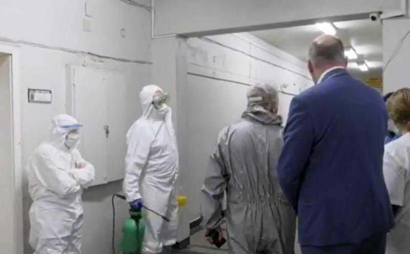 Преди броени минути екип на Военномедицинска академия започна цялостна дезинфекция