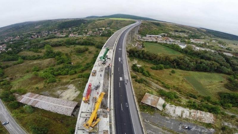 """На магистрала """"Хемус"""" между тунелите Витиня и Ечемишка всички съоръжения"""