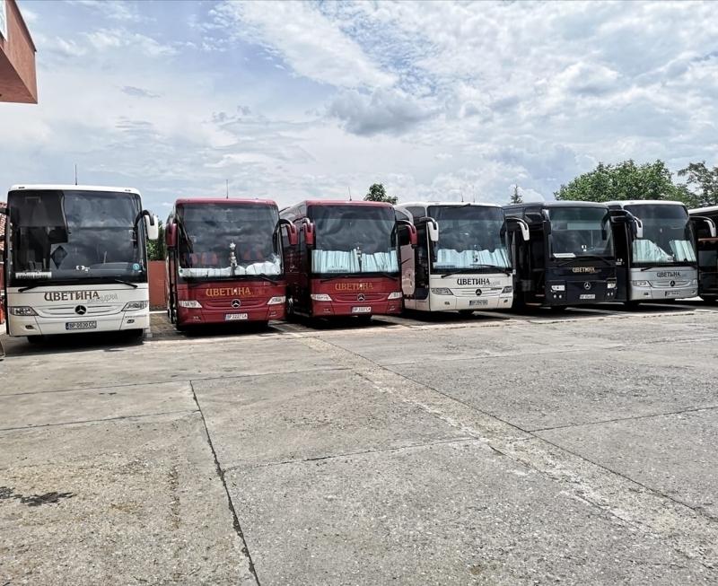 """Автобусната фирма """"Цветина-Мездра"""" оборудва част от своя автопарк с авангардната"""