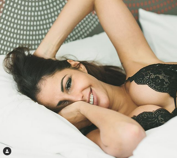 Руската порнозвезда Елена Беркова обяви, че възнамерява да участва в