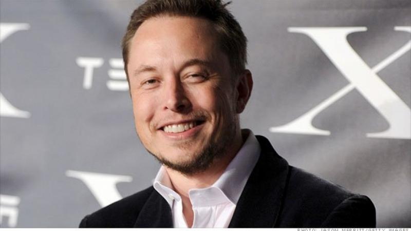 """Ръководителят на американската компания """"Спейс Екс"""" Илон Мъск възнамерява първият"""