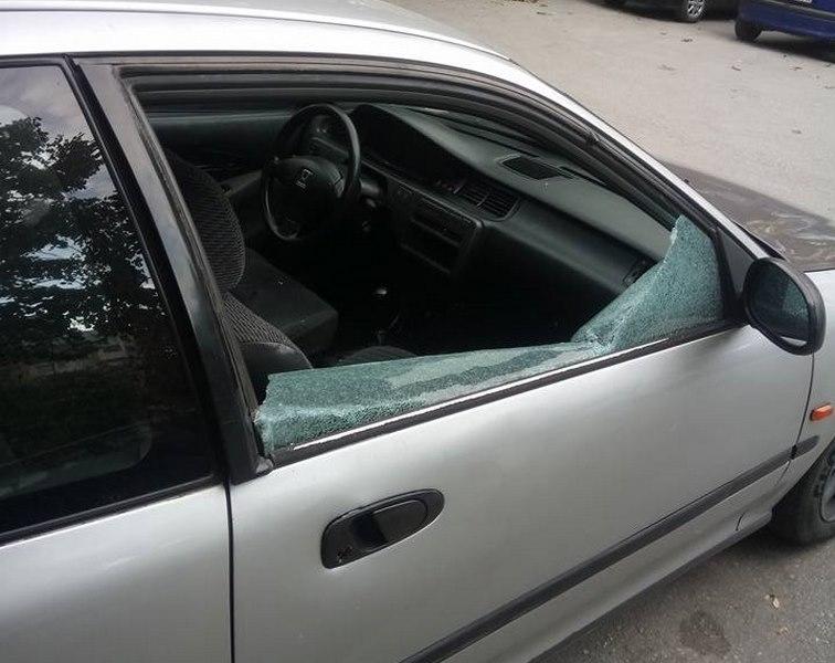 Само за ден разбиха и ограбиха 5 коли на паркинг