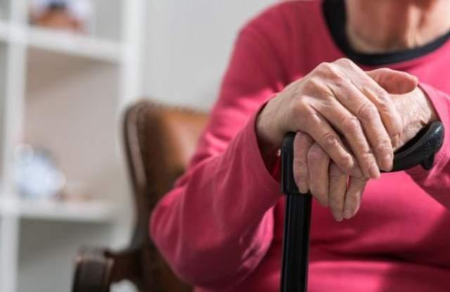 86-годишна жена от Враца е била обрана на улица в