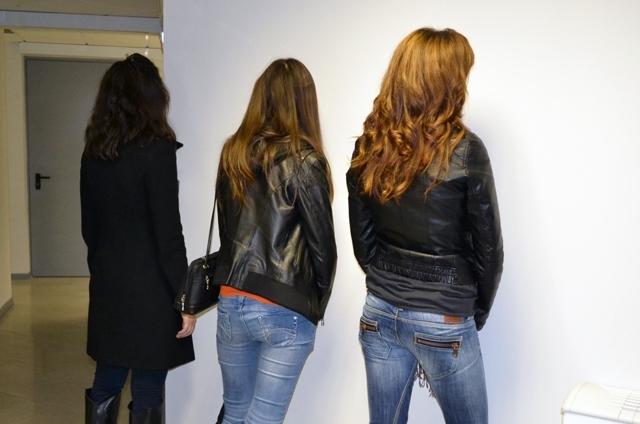 Служители на реда са хванали три жени, разбили и обрали