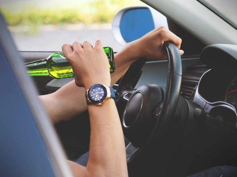 Заловиха пиян шофьор в Криводол, съобщиха от МВР-Враца. Случката е