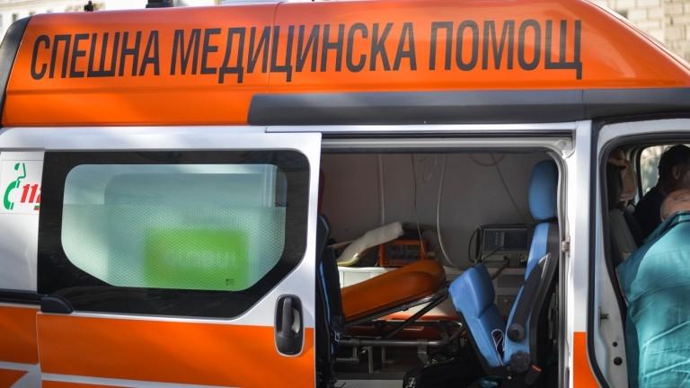Снимка: Мъж загина, разрязан от ъглошлайф
