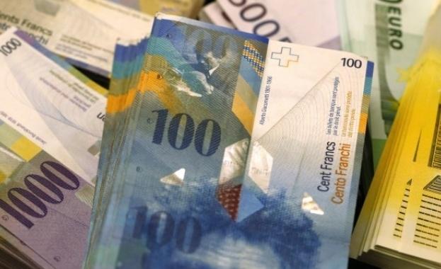 Фалшива банкнота от 1000 швейцарски франка е била прокарана в