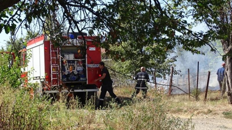 Пожарът в района на елховското село Лесово е напълно овладян.