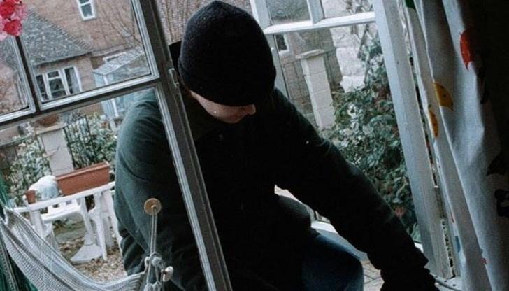 Крадци разбили и обрали къща в село Мокреш, съобщиха от