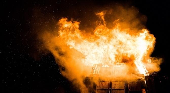 Снимка: Седем деца изгоряха при пожар в Канада