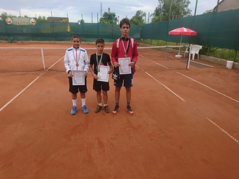 Преслава Кръстева и Хари Радков станаха победители в регионалния турнир