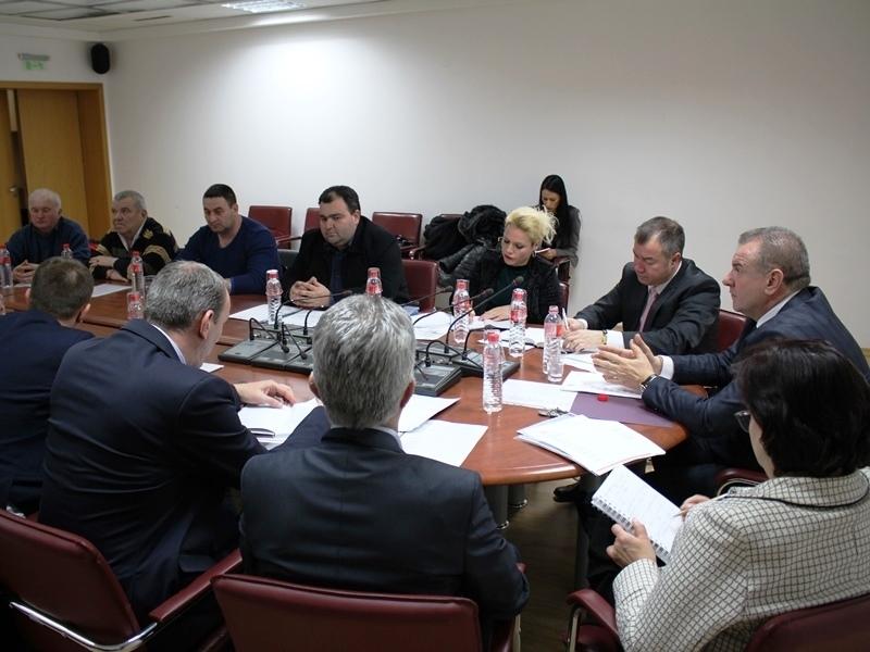 Осем кметове на мездренски села присъстваха на среща във връзка
