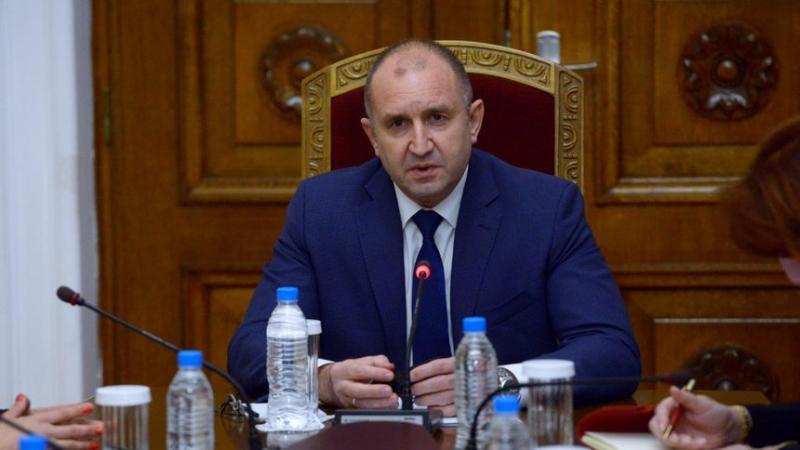 Президентът Румен Радев обяви, че предсрочните парламентарни избори се очертава