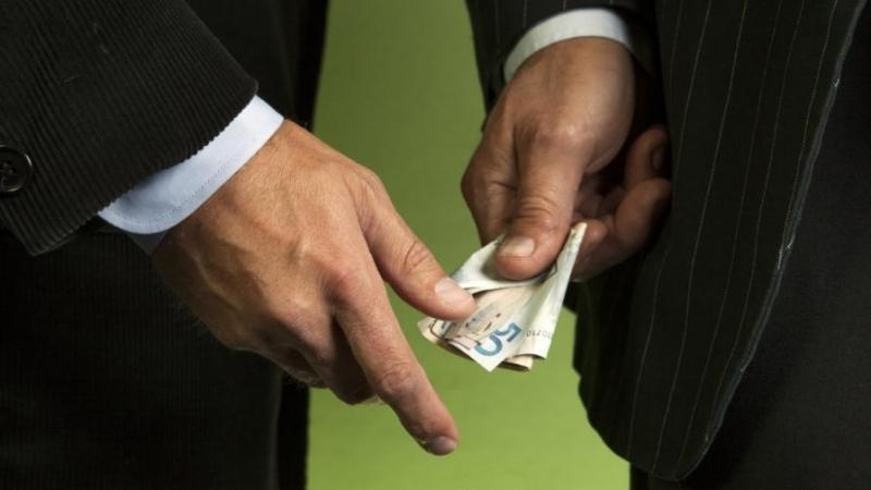 Съдят мъж от Монтанско, направил опит да подкупи началник в полицията с 10 лева