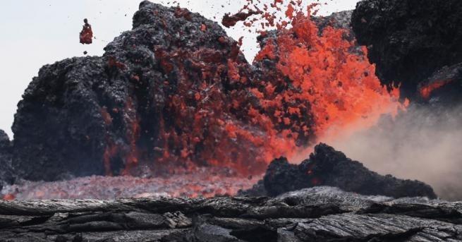 23-ма души пострадаха, след като лава от вулкана Килауеа изригна
