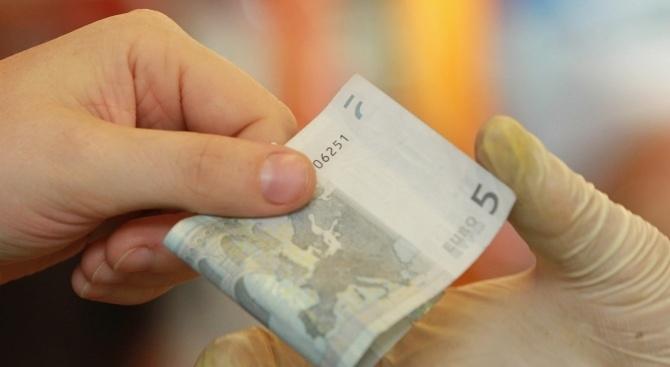 С 55 млрд. евро са олекнали националните банки на 11