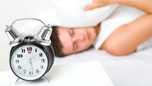 На 25 март в 3 часа през нощта се въвежда