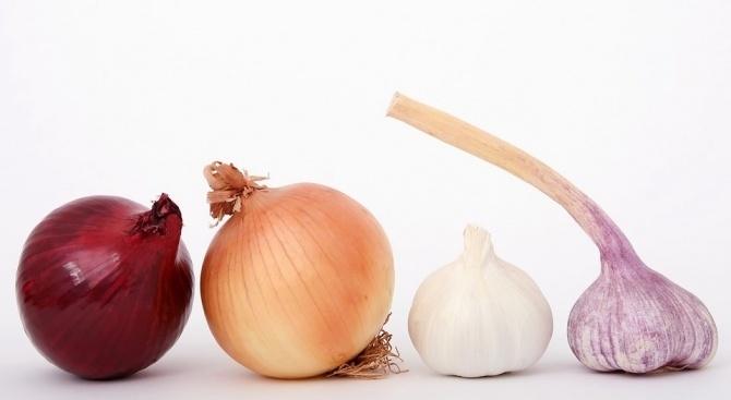Консумацията на лук и чесън намалява риска от развитие на