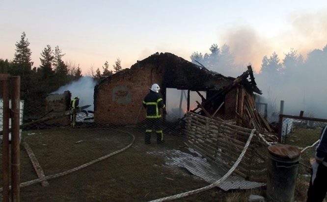 Пожар унищожи кошара в монтанско село