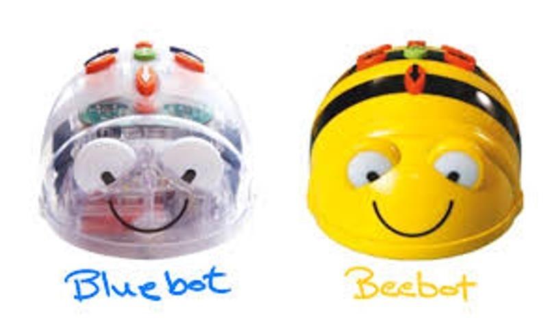 """Снимка: Шест броя роботи """"Пчела"""" получи библиотеката """"Гео Милев"""" в Монтана"""