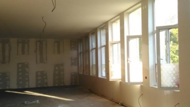 """Започна ремонтът на читалище """"Просвета 1925"""" в Мездра. За обновяването"""