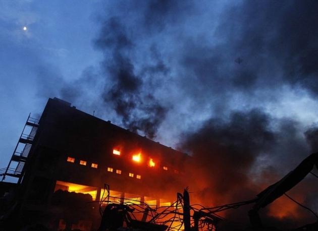 Експлозия и пожар избухнаха във факултет в Белград