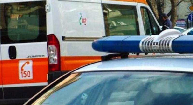 Пътник, изпаднал от кола по време на движение, е бил