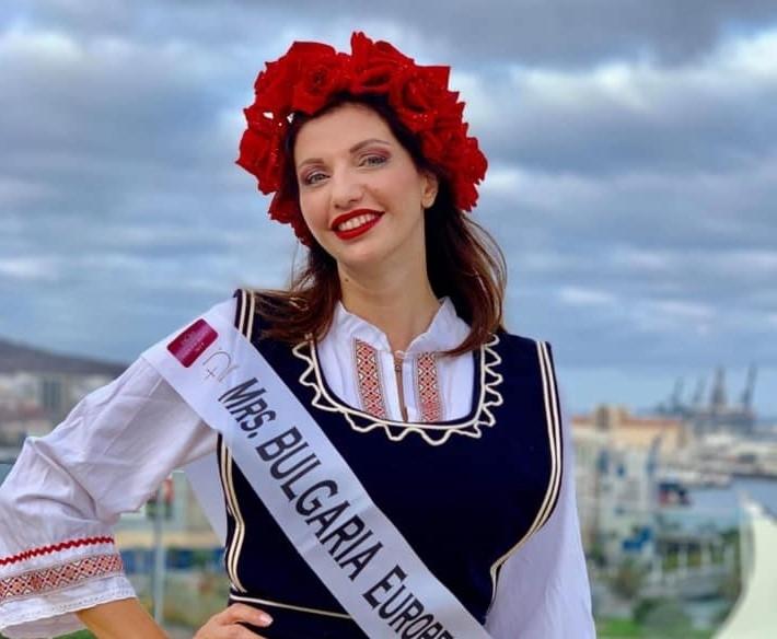 """Българка грабна титлата """"Мисис европейски съюз"""""""