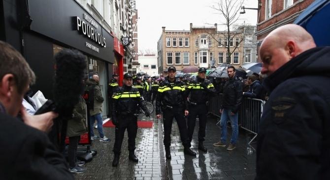Холандската полиция е предотвратила голям терористичен атентат по време на