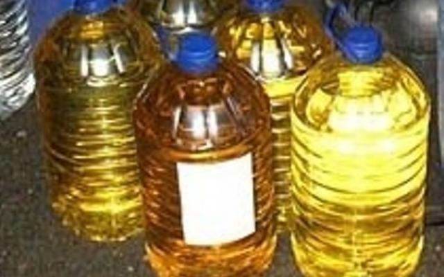 Крадци са отмъкнали 70 литра ракия от дома на възрастен