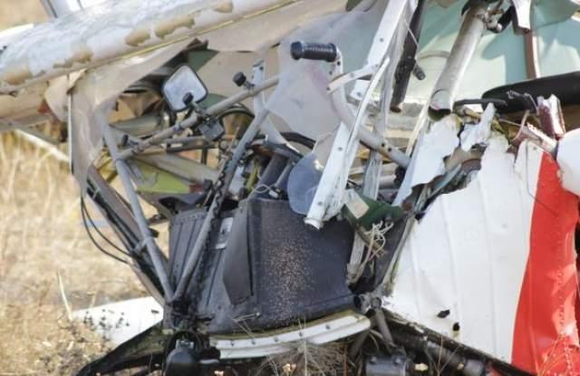 Двама души загинаха след като двуместен частен самолет падна в