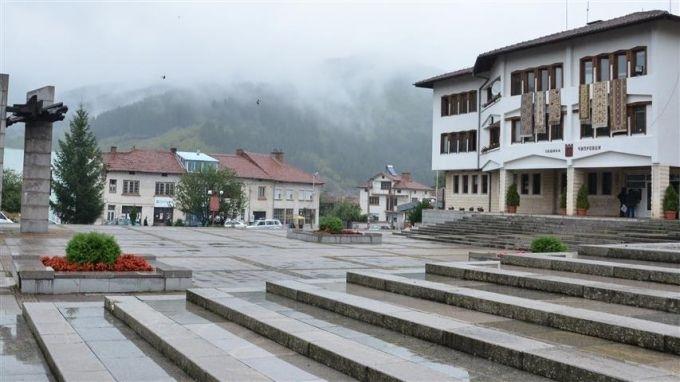 На публични места в Чипровци ще има безплатен интернет. Общината