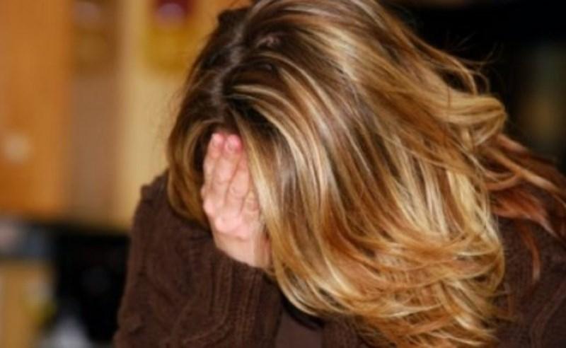 Младеж измами жена във Видинско, задържаха го, съобщиха от полицията.
