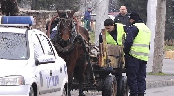 За едно денонощие полицията е задържала три каруци с незаконни