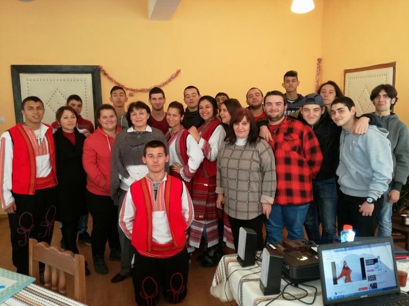 В ПГТР във Враца се проведе бинарен урок по кулинария