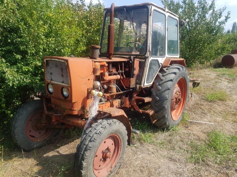 Апаши са отмъкнали части от трактор в монтанското село Боровци,