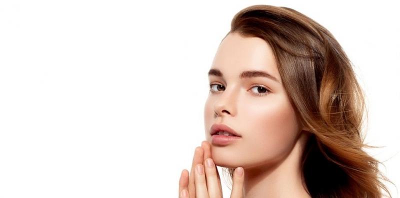 Разнобразие от фактори може да причинят накъсване на косата и