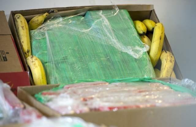 Близо 150 кила чист кокаин са открити в 5 кашона