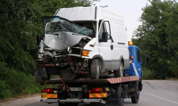 Пиян шофьор е предизвикал катастрофа на пътя между Мездра и